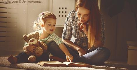 Regelmäßiges Vorlesen fördert nicht nur die Fantasie – sondern vor allem auch das Sozialverhalten von Kindern.